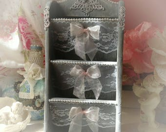 Box is shabby chic and romantic mail
