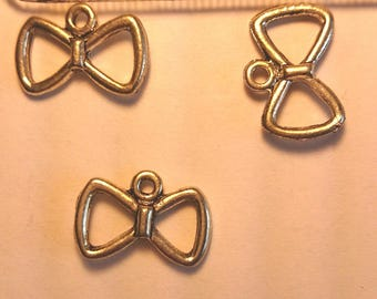 Set of three bows silver 15 mm to 10 mm