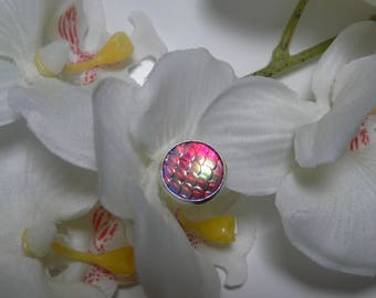 """Made with a """"scales"""" Fuchsia cabochon Stud Earrings"""