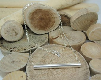 """""""Straight arrow"""" necklace in silver"""