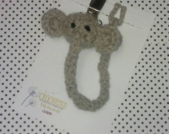Ready to ship Elephant pacifier clip, Baby shower gift for boy or girl, jungle theme