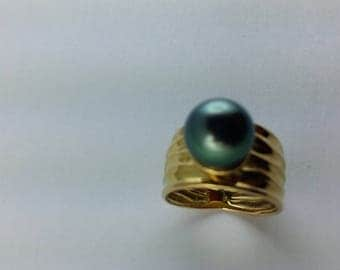 Yellow Gold with Tahitian Pearl ring