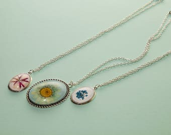 Natural preserved flower pendant