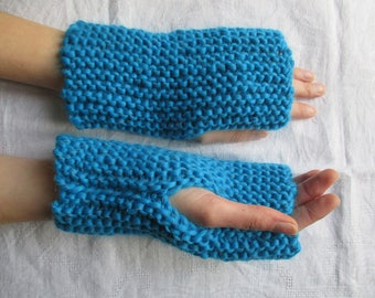 Blue mittens for women in wool and acrylic, mothers day gift