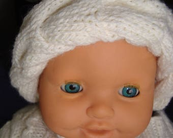 Baby bonnet way for a gentle winter turban