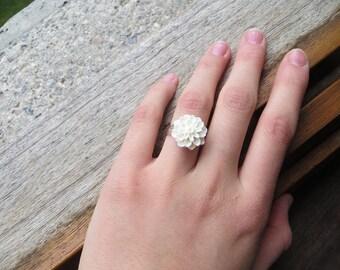 Resin - white adjustable flower ring