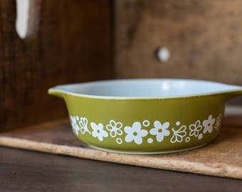 Vintage Pyrex 471 Spring Blossom Green - Crazy Daisy - Casserole Dish