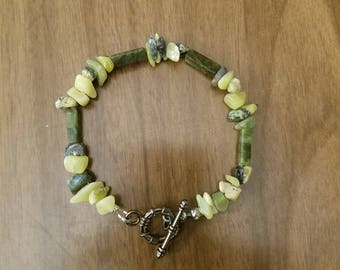 Jade and yellow turquoise beaded bracelet