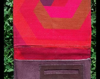 Tobacco pouch in plum