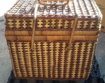 Vintage Two-Tone Wicker Picnic Basket 13''x  11''