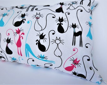 Small decorative pillow with cats