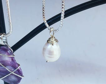 Wire-Wrapped Pearl Nwcklace