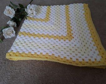 Lemon and white baby blanket