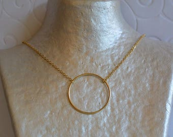 Circle and gold chain necklace