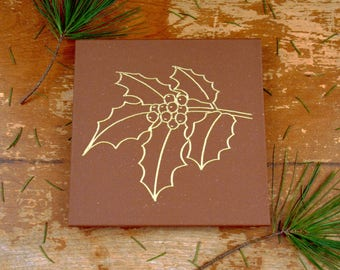 Table Centerpiece/Holiday Gift/Christmas Gift/Tile Trivet/Engraved/Stone/Engraved Kitchen Ware/Trivet for Hot Dish/Holly