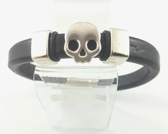 Skullboy Bracelet, Pewter Sliding Skull,  Sliding Accents,  Licorice Leather, Regaliz Pewter Interlocking Magnetic Clasp