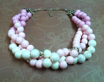 Elagant necklace in 3 strands with white and pink beads, suitable gift for ladys in all ages