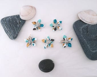 Set of 5 fabric flowers has blue / yellow / grey / white