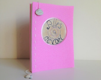 Handmade book: Everything is feeling, about everything you feel (English)