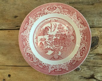 Vintage Willow Ware Royal China .  Red/pink . 9 7/8 dinner plate.