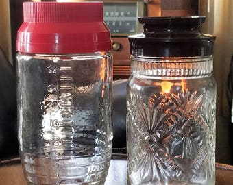 2 Vintage Anchor Hocking Clear Glass Canisters Patterned Measuring Plastic Lids