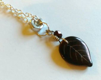 Leaf it out pendant necklace