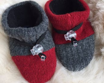 Toggle Toes gray and red wool slipper, non-slip soft sole shoe, in infant 4-12 months or baby shoe size 1-3.5