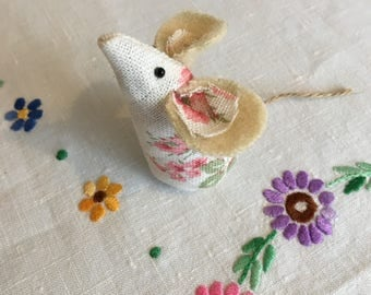 Lavender mouse/felt mouse/decoration / Vintage fabric mice/ handmade mouse/ felt animal
