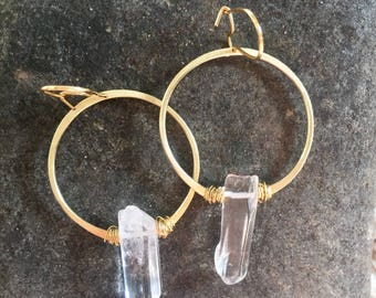 Hammered brass hoop with quartz crystal and messy wire wrap