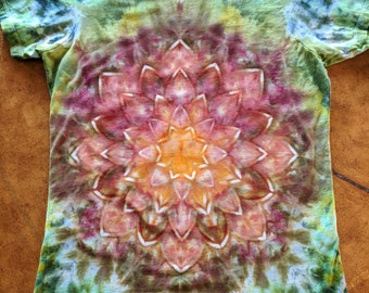 Earth Lotus Blossom tie dye ladies size large