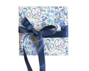 Mini Leporello, 12 x 12 cm Accordion folder with blue Florentine paper and ribbon