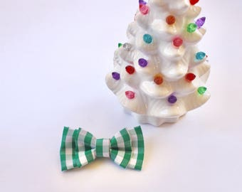 Green gingham bow tie - christmas bow tie - holiday bow tie - clip on bow tie - bow tie for boys - toddler bow tie - adult bow tie