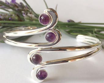 Art Deco style amethyst swirl bangle, amethyst bangle, amethyst jewelry, gemstone bangle, gemstone jewelry, Deco jewelry