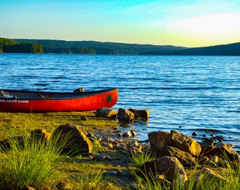 Algonquin Canada Lakes, Canoe on the Water