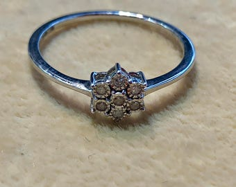 9ct Victorian Antique engagement ring