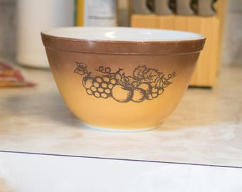 Vintage Pyrex Old Orchard Ombre Mixing Bowl | new homeowners useful gift for mom gift for retro wife pyrex mixing bowls