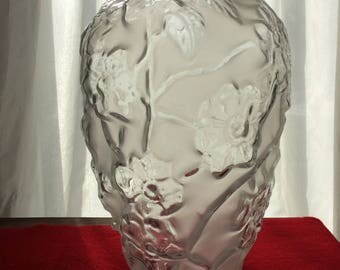 "Beautiful  Vintage 10"" Frosted Floral Vase - Frosted & Clear Glass"