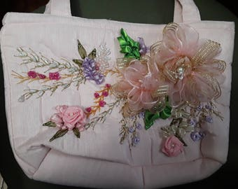 Embroidery handbag with ribbon