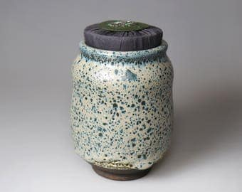 Bug Bite Glaze/Glost-fired Earthen Tea Caddy;Handmade;Taiwan pottery;Japanese style;Ceramicware;Unique gifts;pottery;Multi-coloured cup