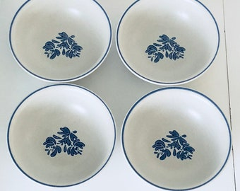 Vintage Set of 4 Pfaltzgraff Yorktowne Round Vegetable Salad Pasta Dessert Bowls
