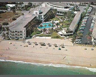 Beach Club Motor Inn Fort Lauderdale Florida Vintage GIANT Post Card