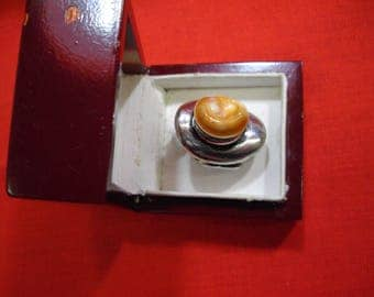 Ring with operculum shell Astrea wrinkled