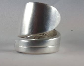 Vintage silver plated hand crafted spoon ring