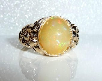 Ring made of 9 ct./375 gold, approx. 5 ct. natural Opal from Ethiopia, 4.5gr., ring size 59 - 18.8 mm