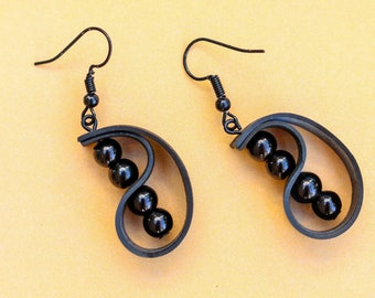 Caterpillar (handmade earrings from recycled bicycle inner tube and beads)