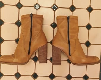 Vintage caramel boots size 7