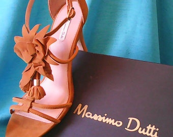 Massimo Dutti high heels sandals leather.