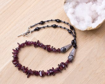 Garnet necklace with fossil jasper - 18 inch necklace | Gemstone chip necklace | Red garnet jewellery | Fossil jasper jewelry | Raw garnet