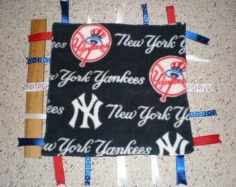 New York Yankees Fleece Baby Sensory Soother Ribbon Taggie Blanket