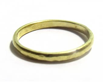 Hammered wedding ring in 18ct  18K yellow gold for men and women - textured gold band